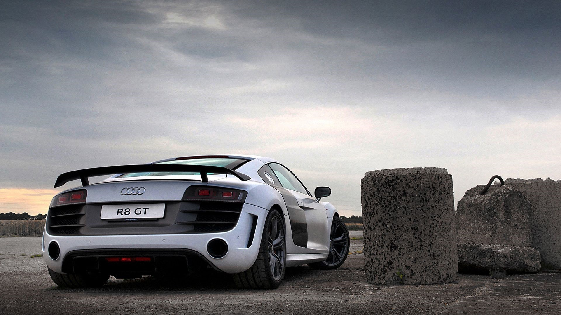 Audi R8 Android Wallpapers