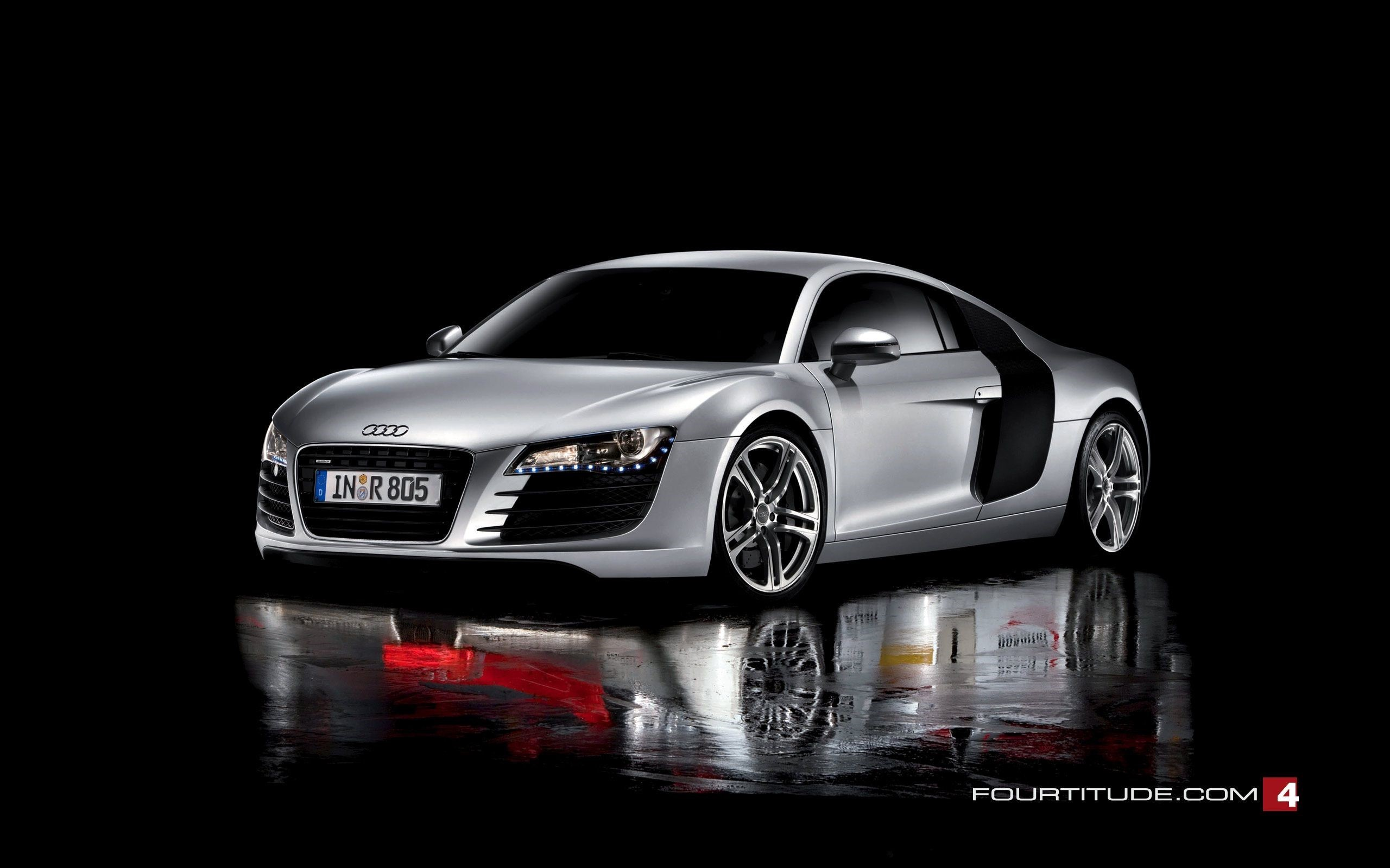 Audi R8 Front Gallery
