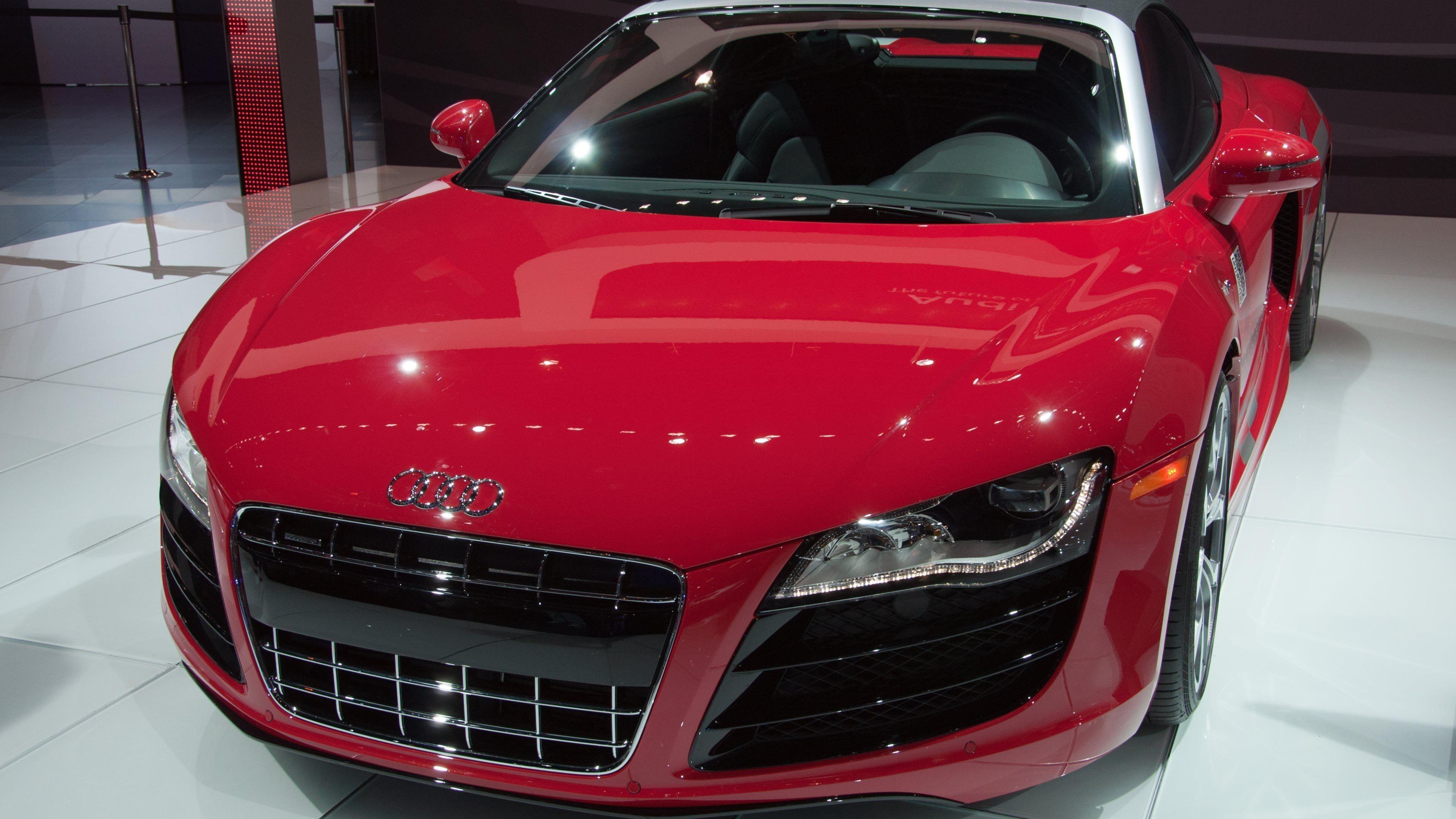 Audi R8 Front Photos
