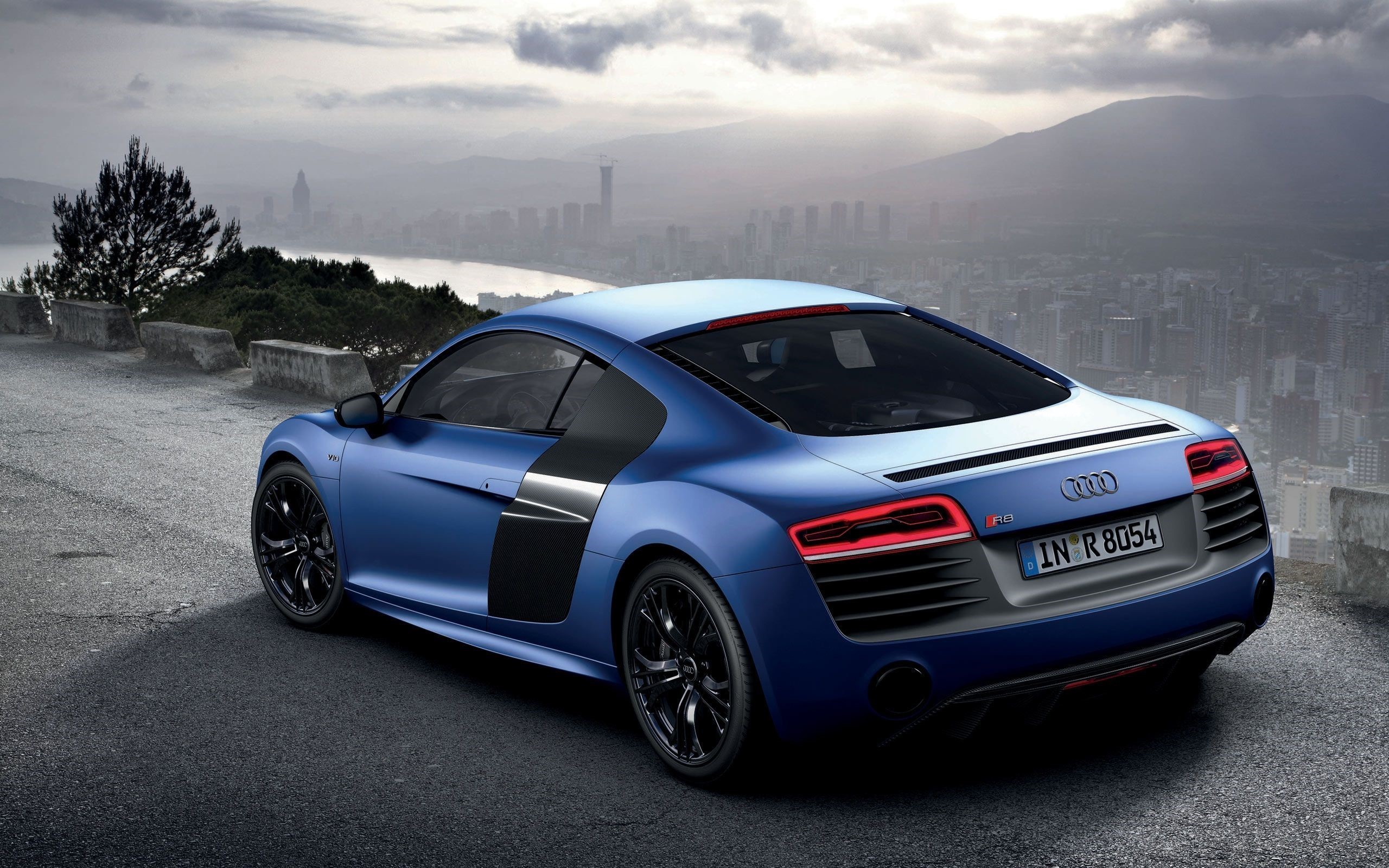 Audi R8 Front Review