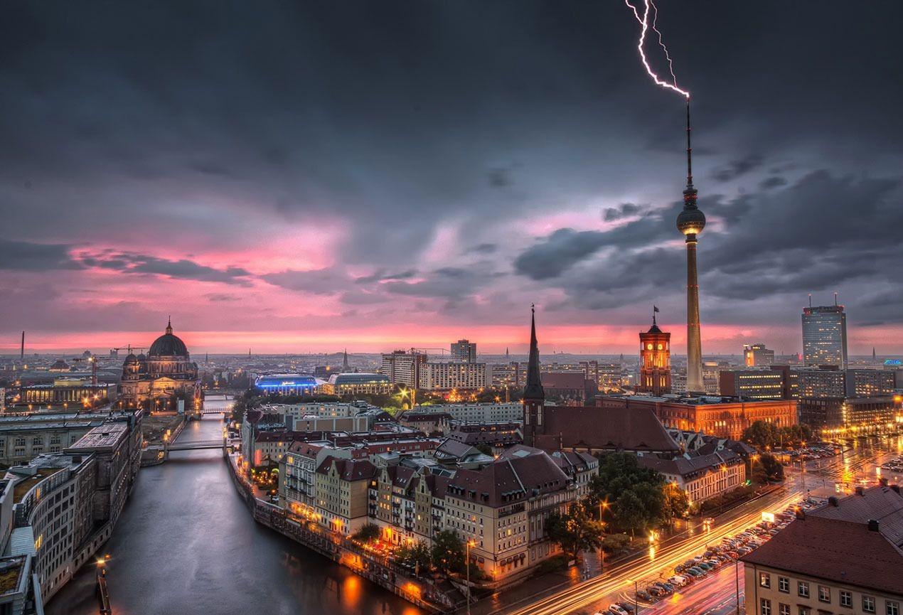 Berlin Free Wallpaper