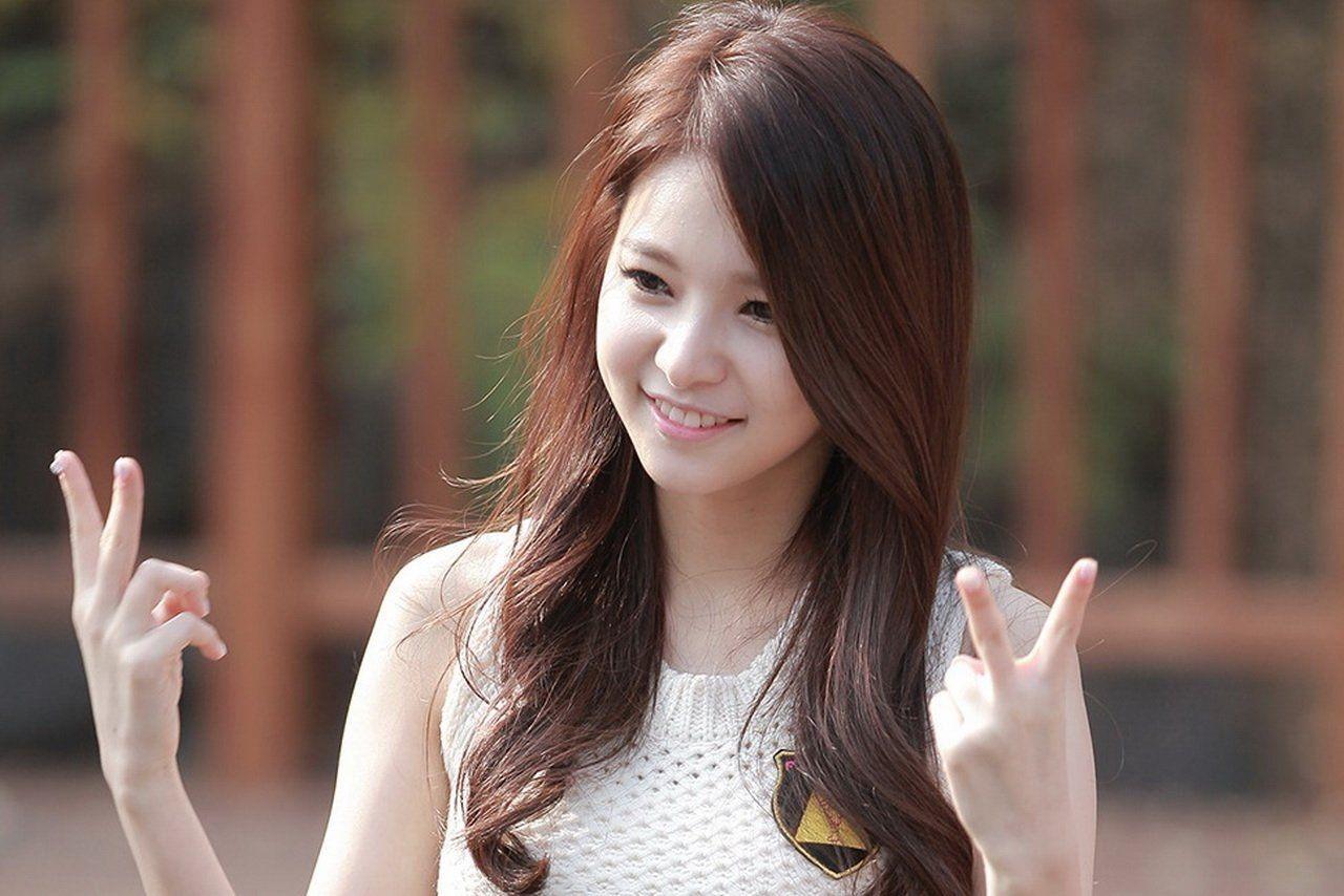 Korean Girls Windows Background