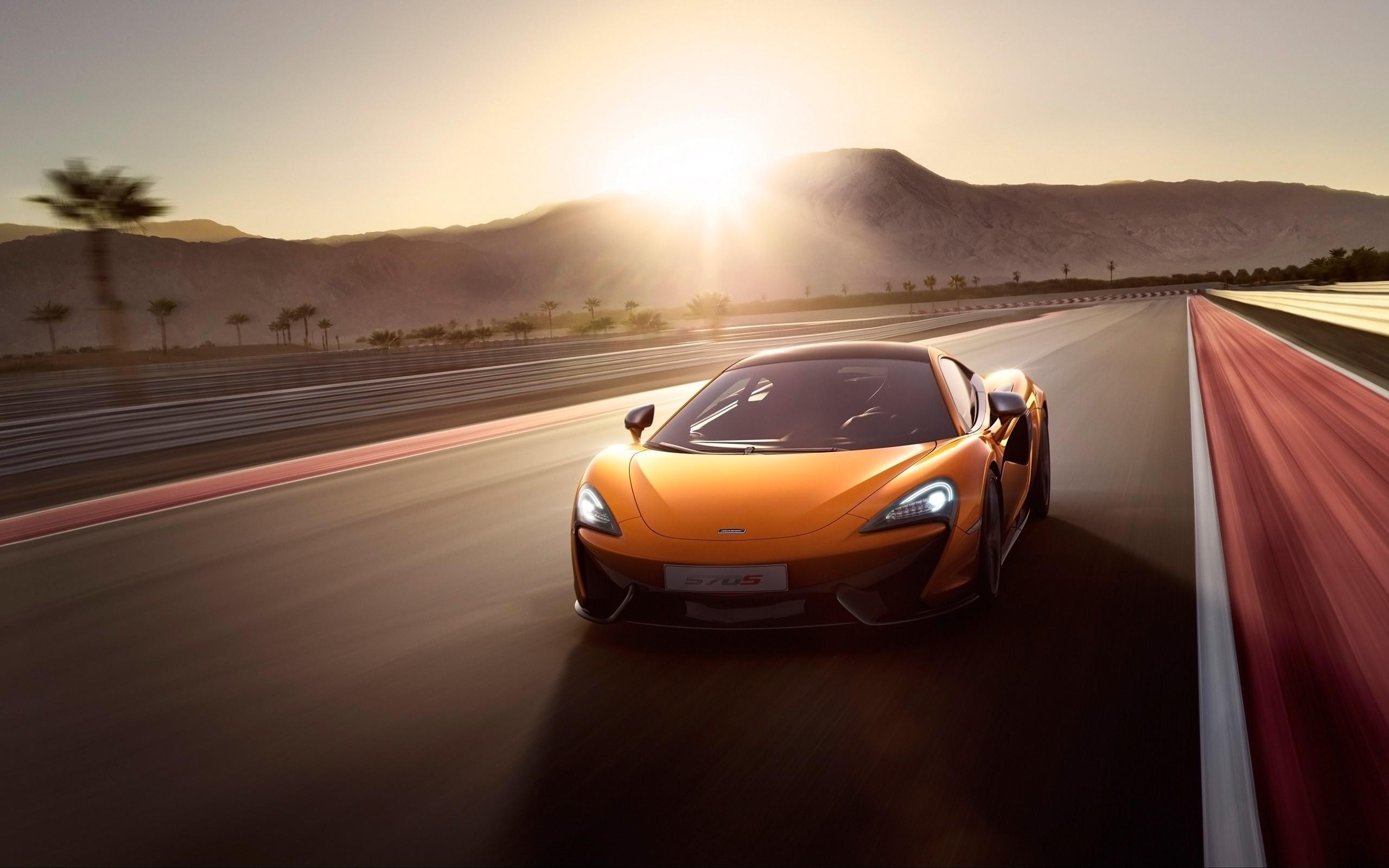 McLaren 570S Background