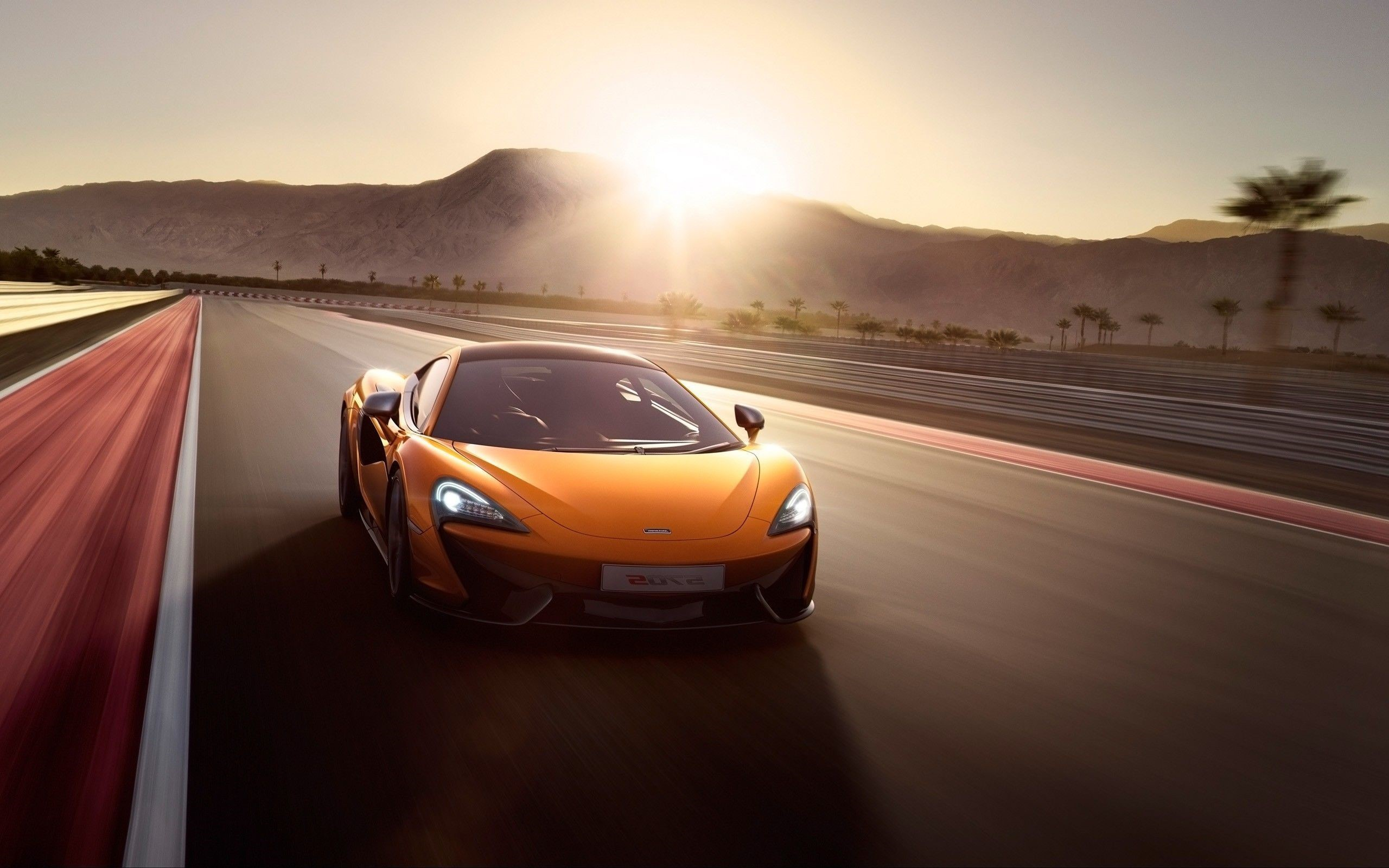 McLaren 570S Windows Background