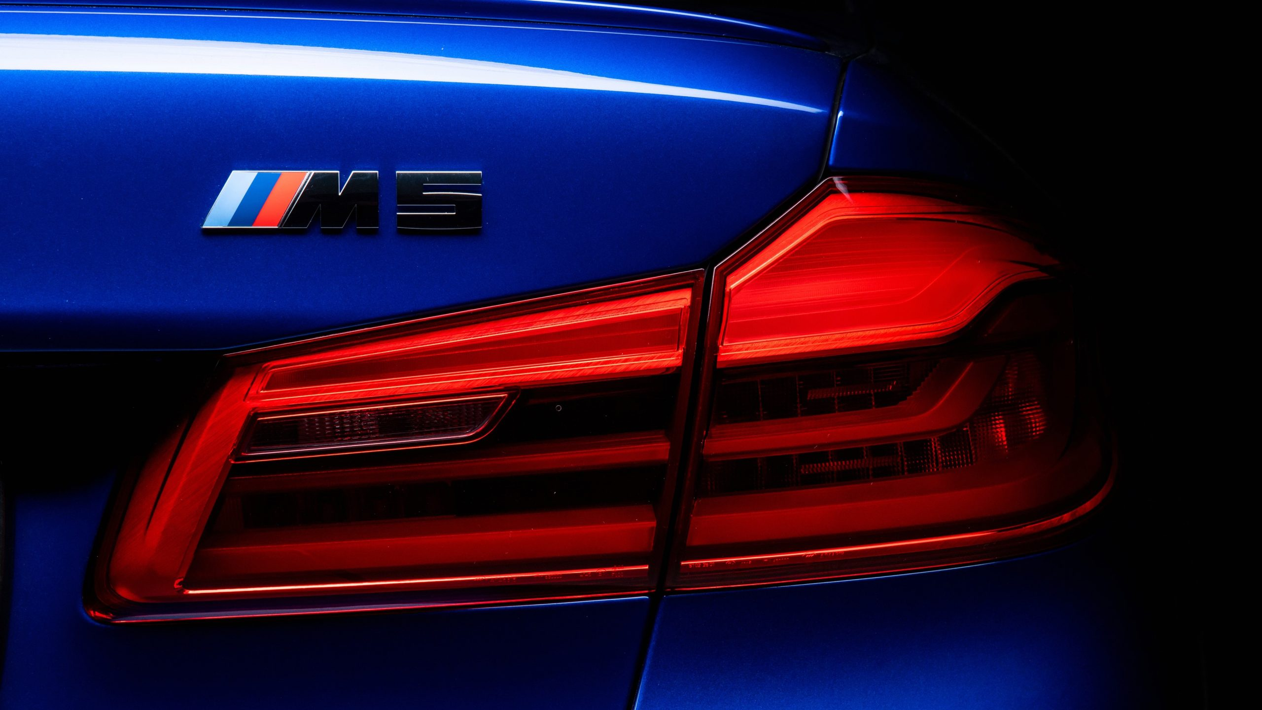 BMW M5 HD Wallpaper Back